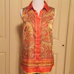 Vince Camuto Small EUC paisley button down top